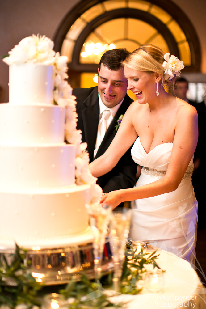 Meaning Behind Wedding Cake Cutting Photography Galleryhip The